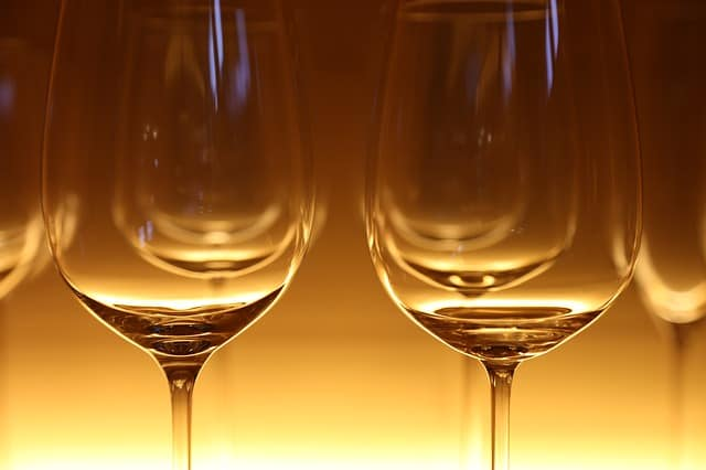 how do you taste wine